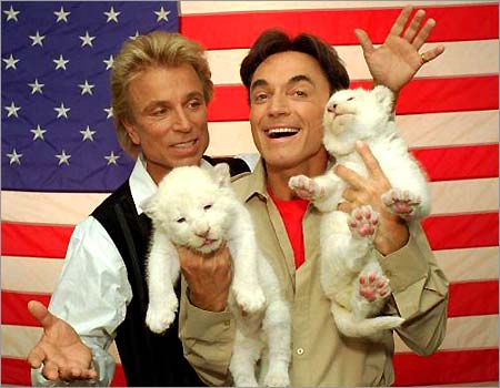 2_23_siegfried_and_roy2