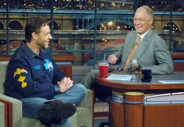 Captnyr11106090221people_crowe_letterman